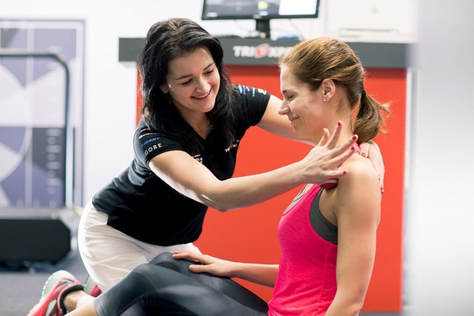 Kulatá záda - uvolnění prsních svalů