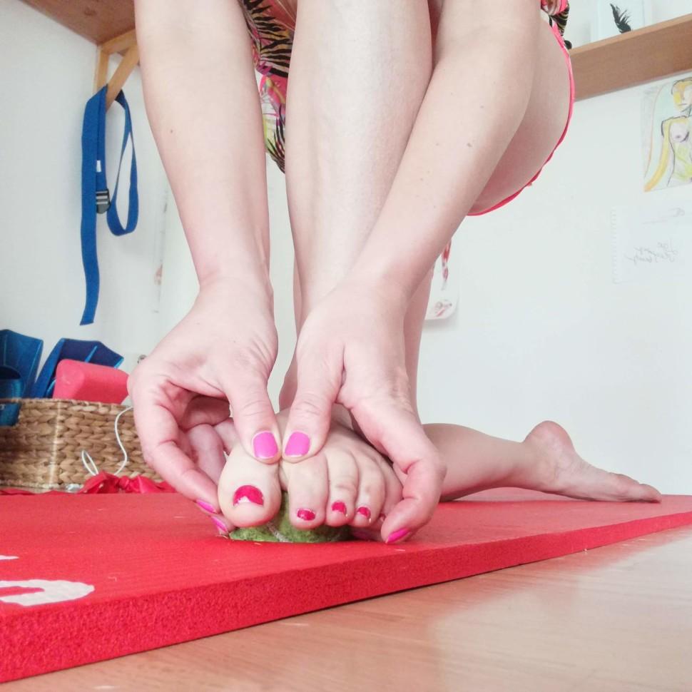 Vybočený palec - aktivace svalů chodidla